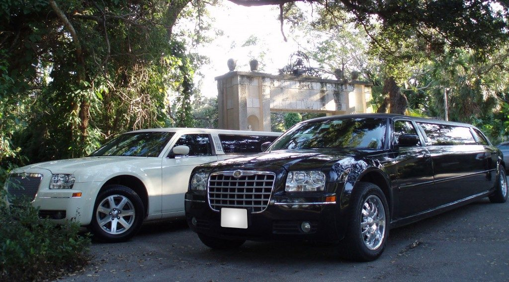 chrysler-limo-black-gallery5