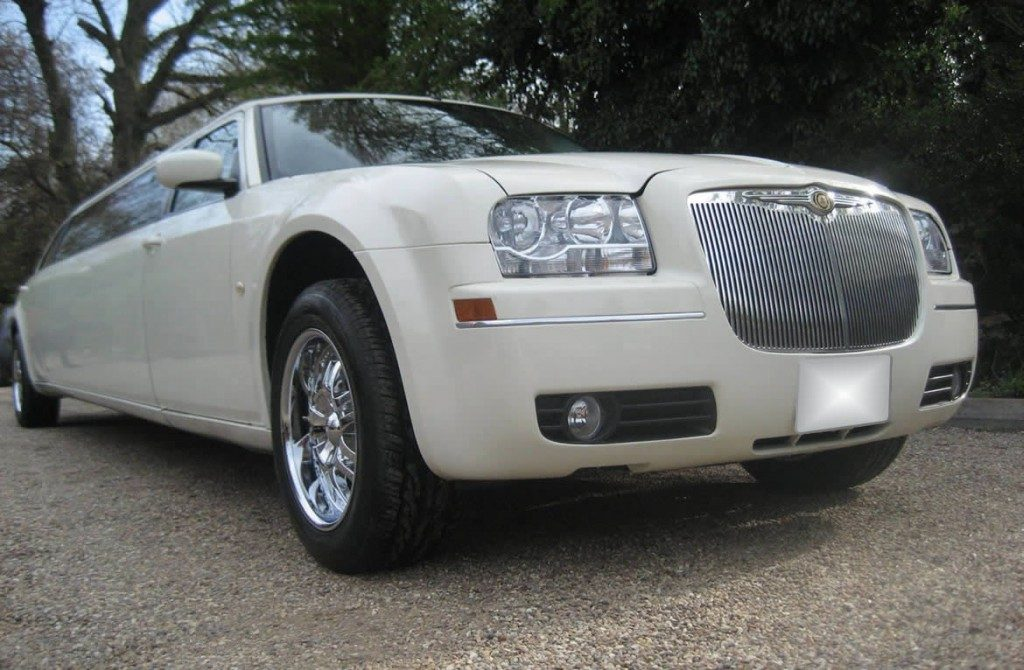chrysler-limo-white-gallery10