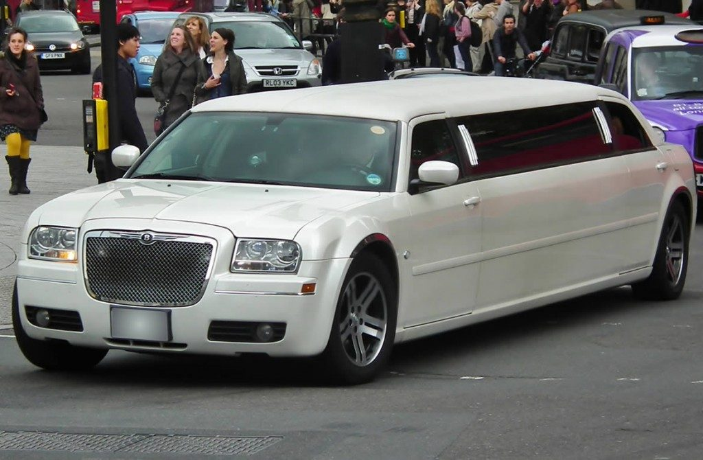 chrysler-limo-white-gallery12