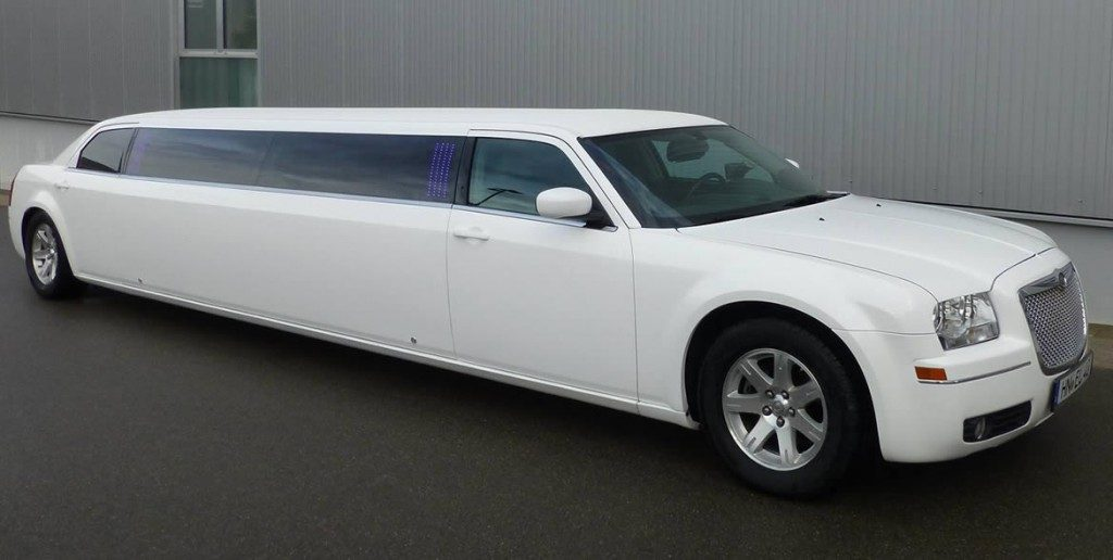 chrysler-limo-white-gallery3