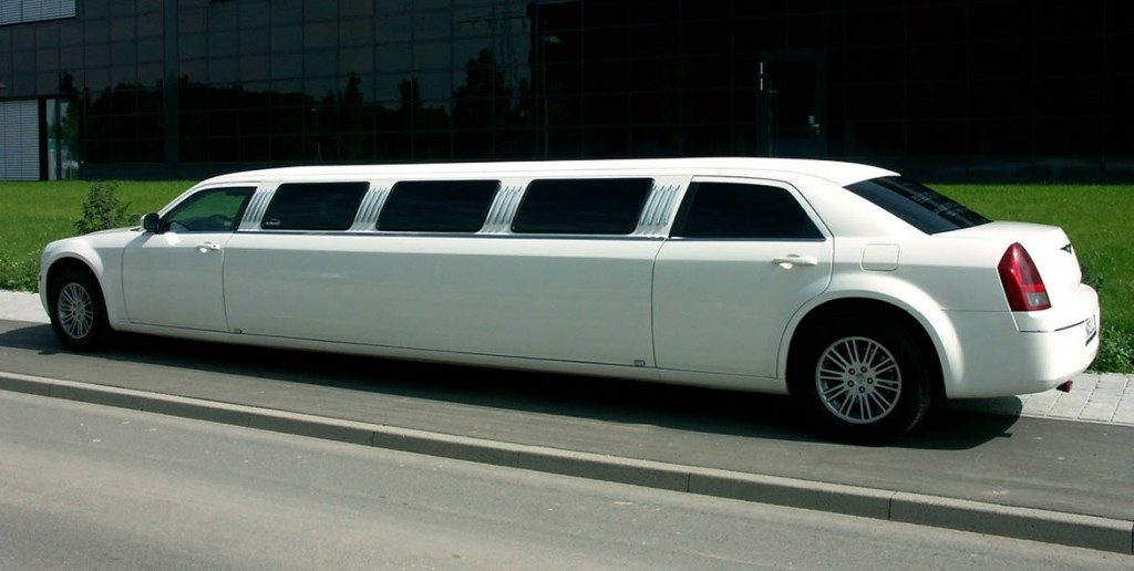 chrysler-limo-white-gallery4