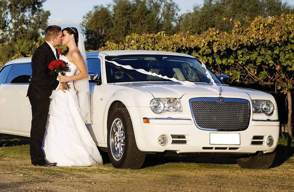 chrysler-limo-white-gallery8
