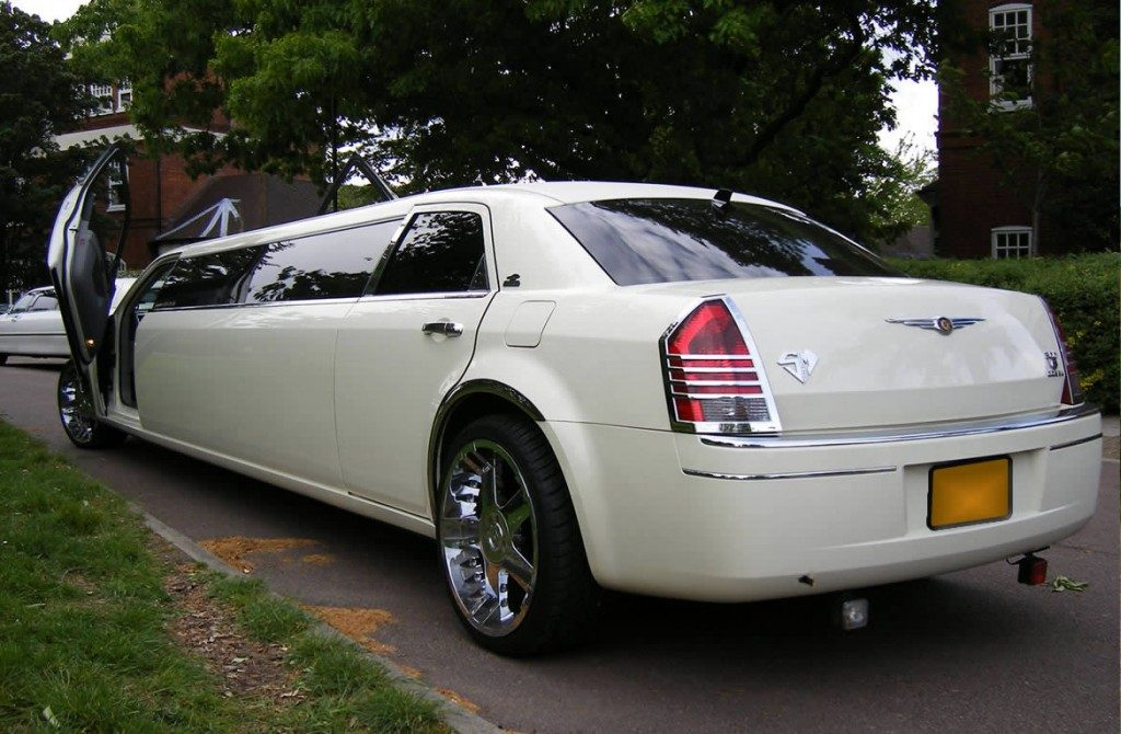 chrysler-limo-white-gallery9