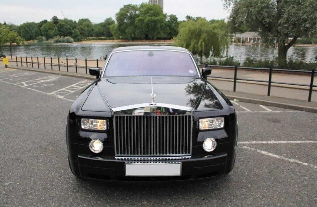 Rolls-Royce-Phantomblack-gal4