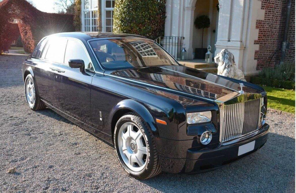 Rolls-Royce-Phantomblack-gal6