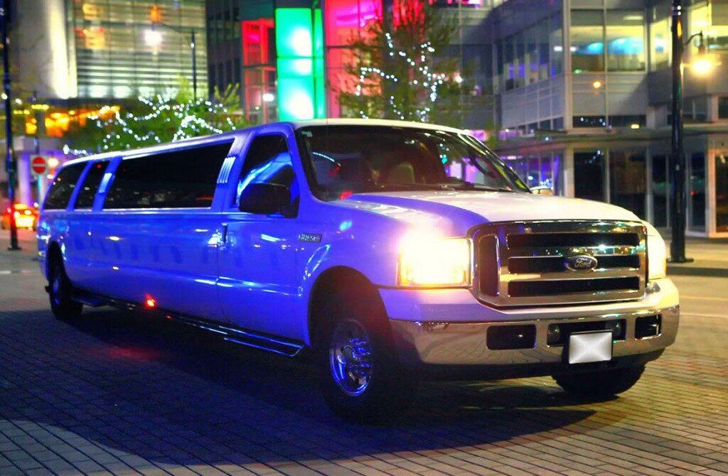 ford-excursiion-white1