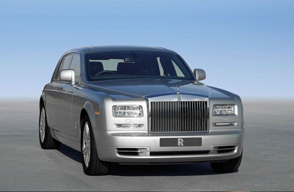 rolls-royce-phantom-silver3