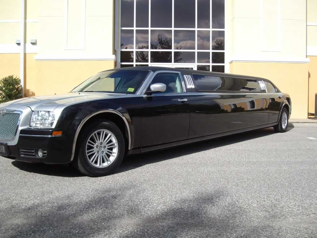 chrysler-300c-limo-silver-black2