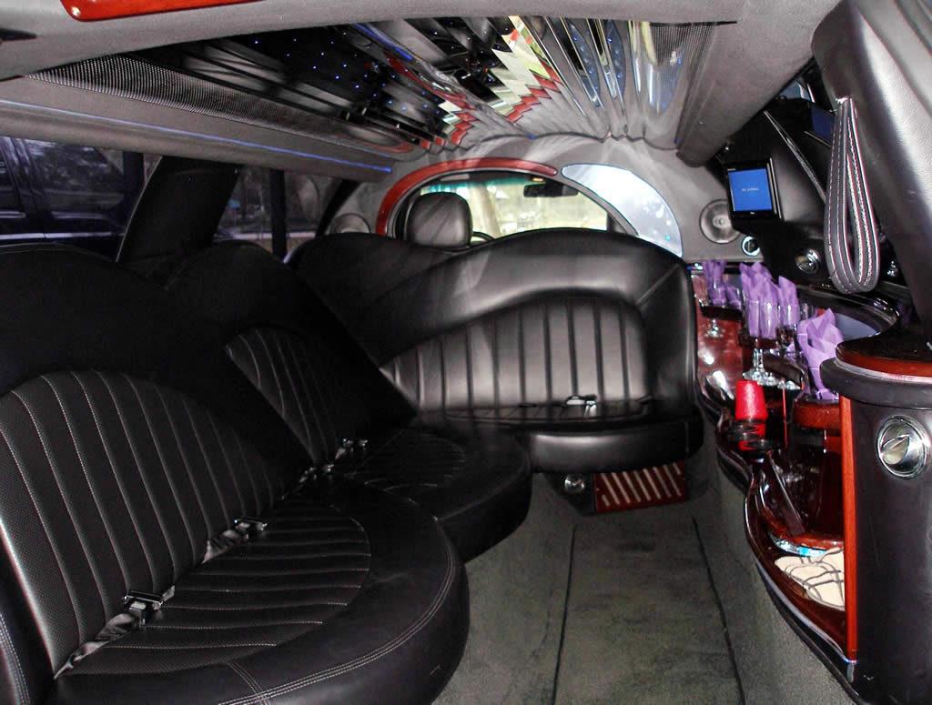 Interior-Lincoln-Town-Car-Interior-gal3