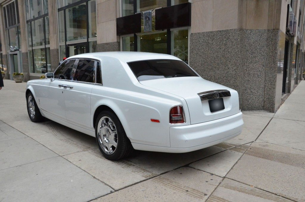 white-phantom-gal6