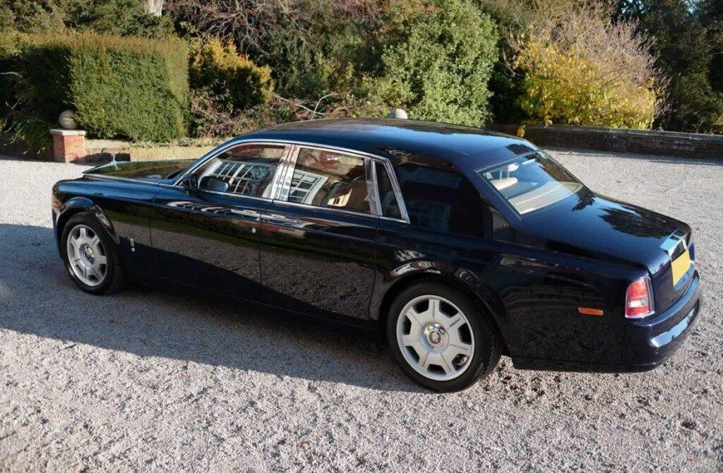 Rolls-Royce-Phantomblack-gal2
