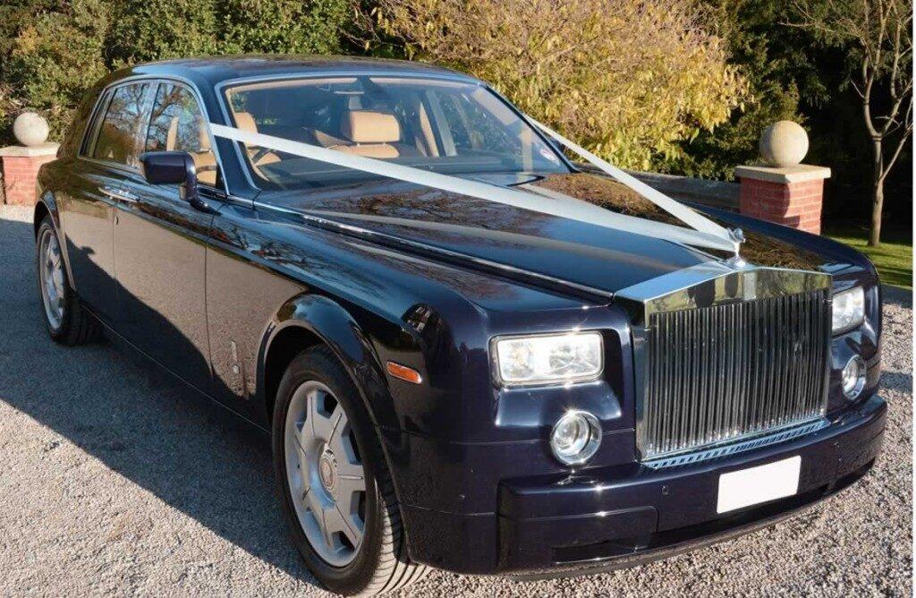 Rolls-Royce-Phantomblack-gal3