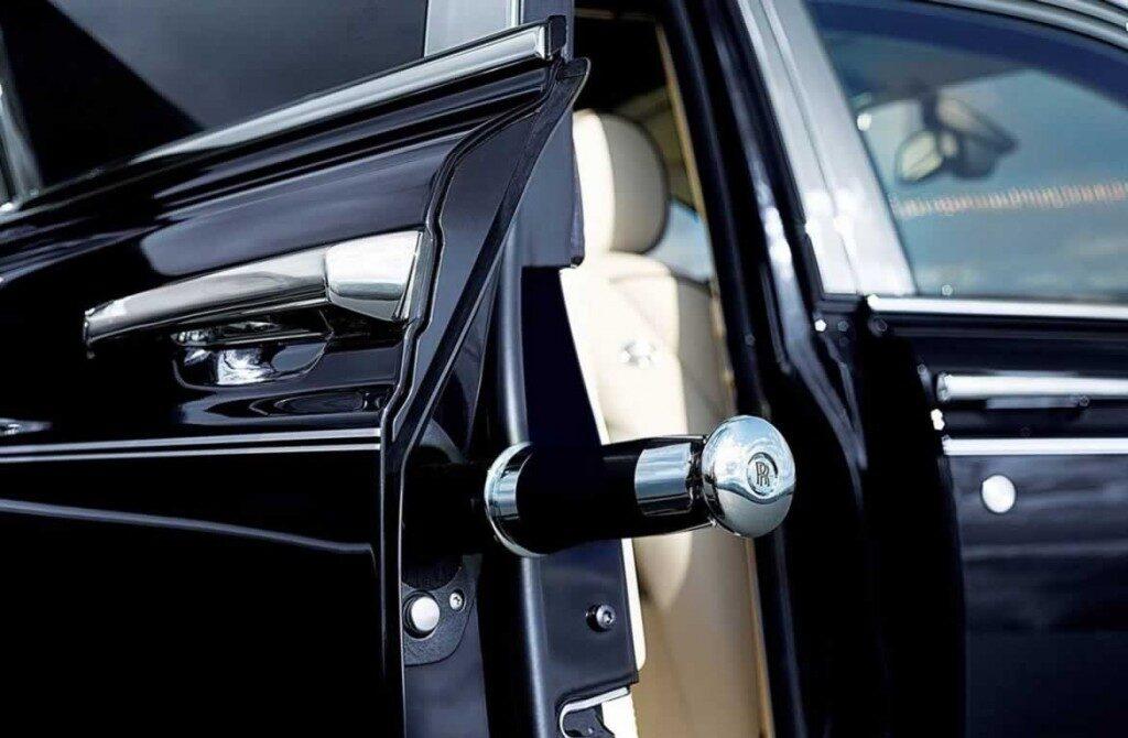 Rolls-Royce-Phantomblack-gal7