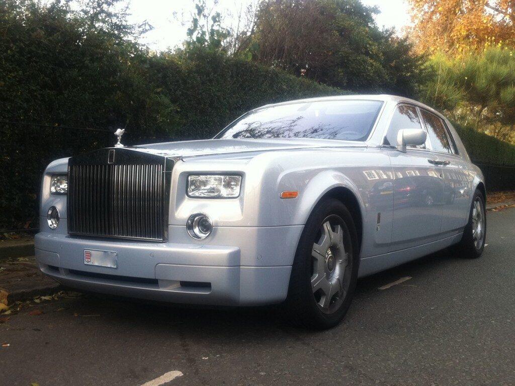 rolls-royce-phantom-silver-10