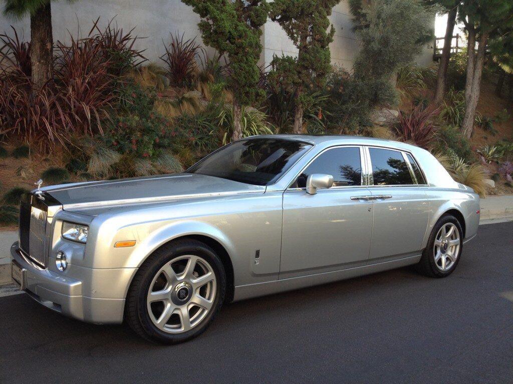 rolls-royce-phantom-silver-11