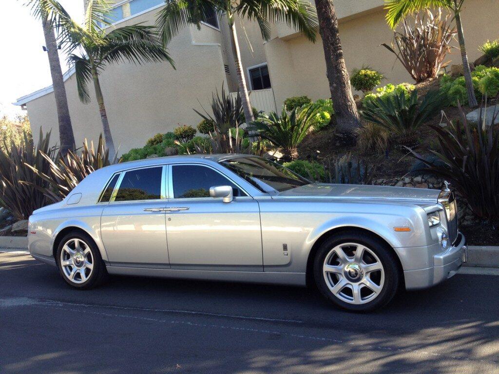 rolls-royce-phantom-silver12